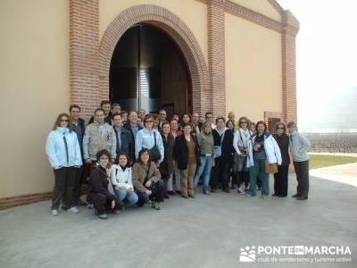 Bodega Vega Real - Viaje enológica a Ribera del Duero; arbol del tejo; mochila de trekking